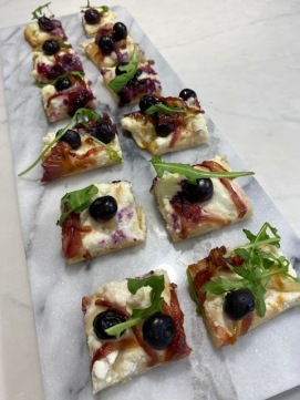 DFTSI Blueberry Feta and Onion PizzaIMG_3759